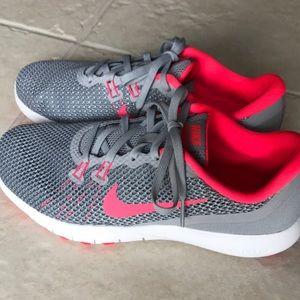 Nike flex training shoes